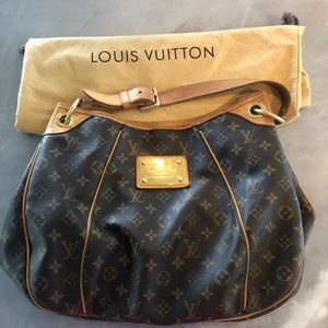 Louis Vuitton galliera shoulder bag